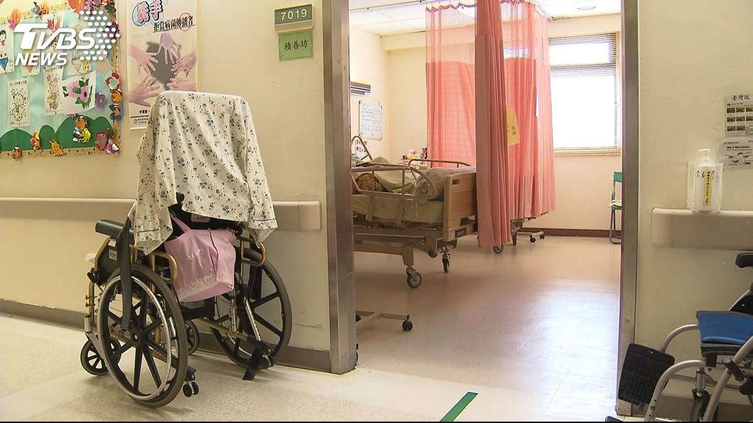 示意圖/TVBS 病患過世沒翻床…護理師撞鬼 隔天鄰床爺爺走了