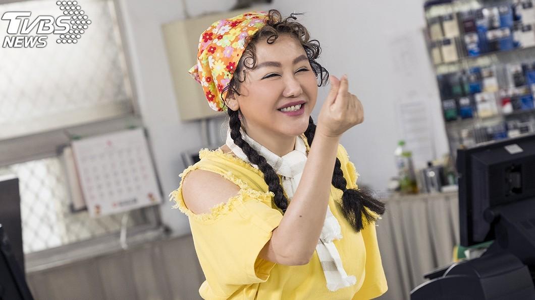 圖/TVBS 藍心湄化身《女兵》營站辣妹 鯰魚哥狠虧:剝了皮的芒果
