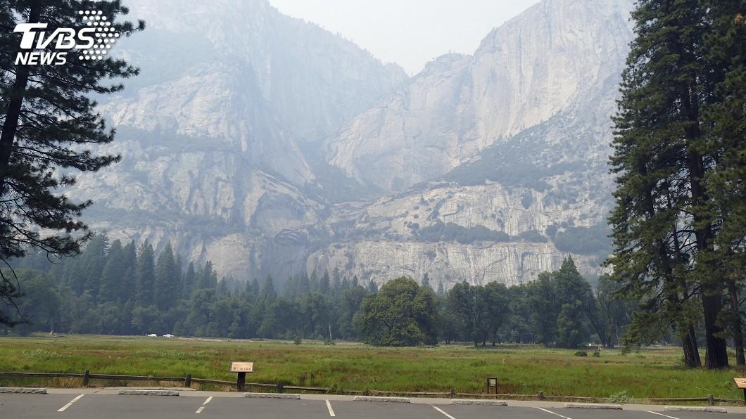 圖/達志影像美聯社 加州優勝美地重新開放 火災煙霧仍瀰漫
