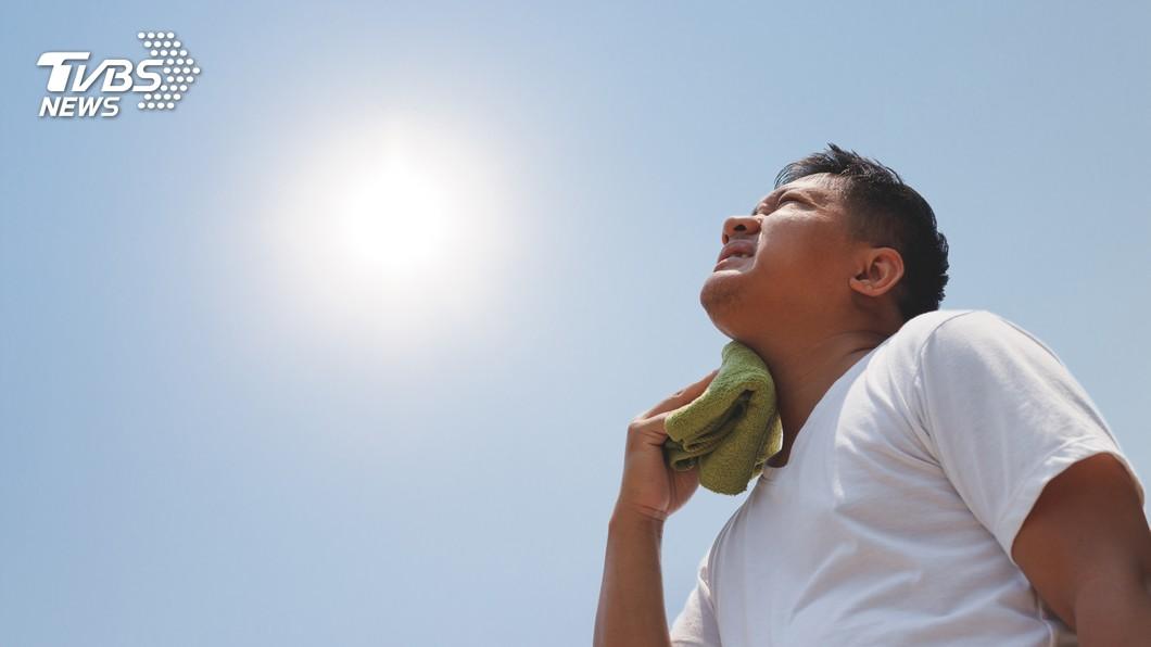 示意圖/TVBS 醫師籲中暑昏迷一定要送醫 以免腦神經受損