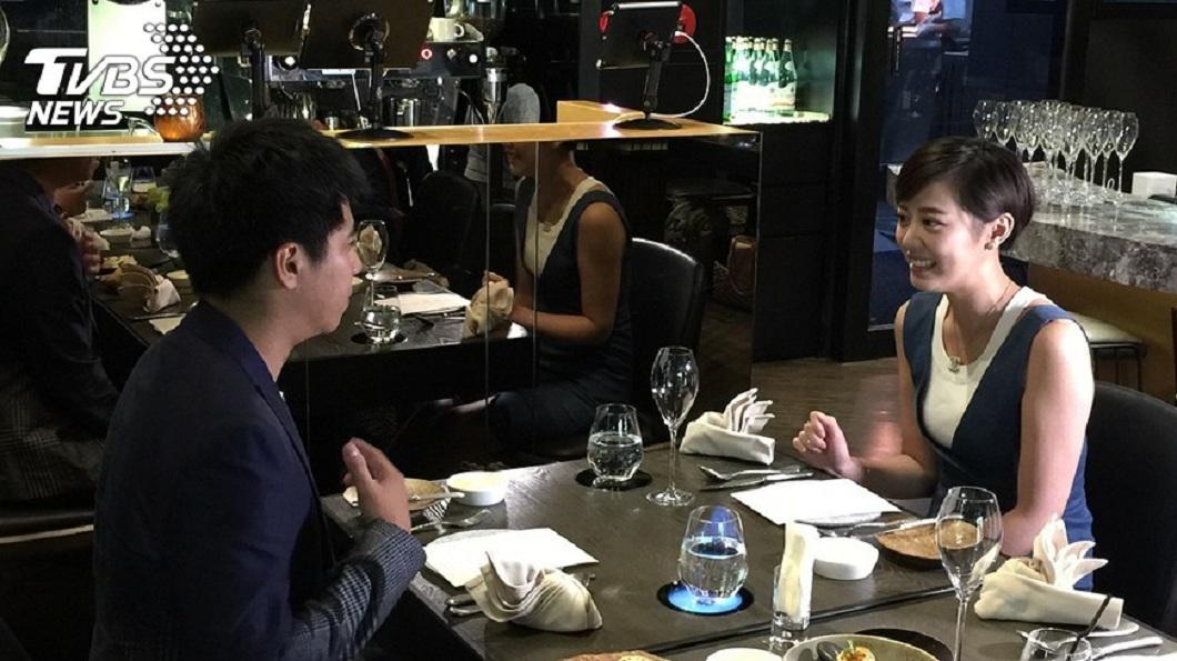 男女首次約會究竟是要誰付錢,引發網友們的熱烈討論。(示意圖/TVBS) 首次約會被暗示「AA制」 女怨感覺差:我太公主嗎?