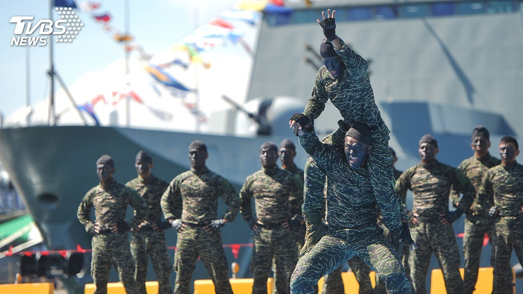 圖/中央社 海軍蘇澳基地25日開放 一睹台灣最強戰艦