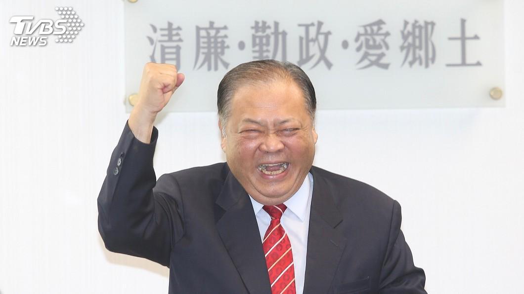 圖/中央社 蔡英文讚陳光復照顧澎湖縣民 盼支持連任