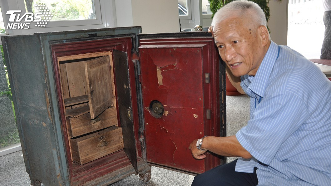 圖/中央社 日本達人打不開的保險櫃 台師傅1小時破解