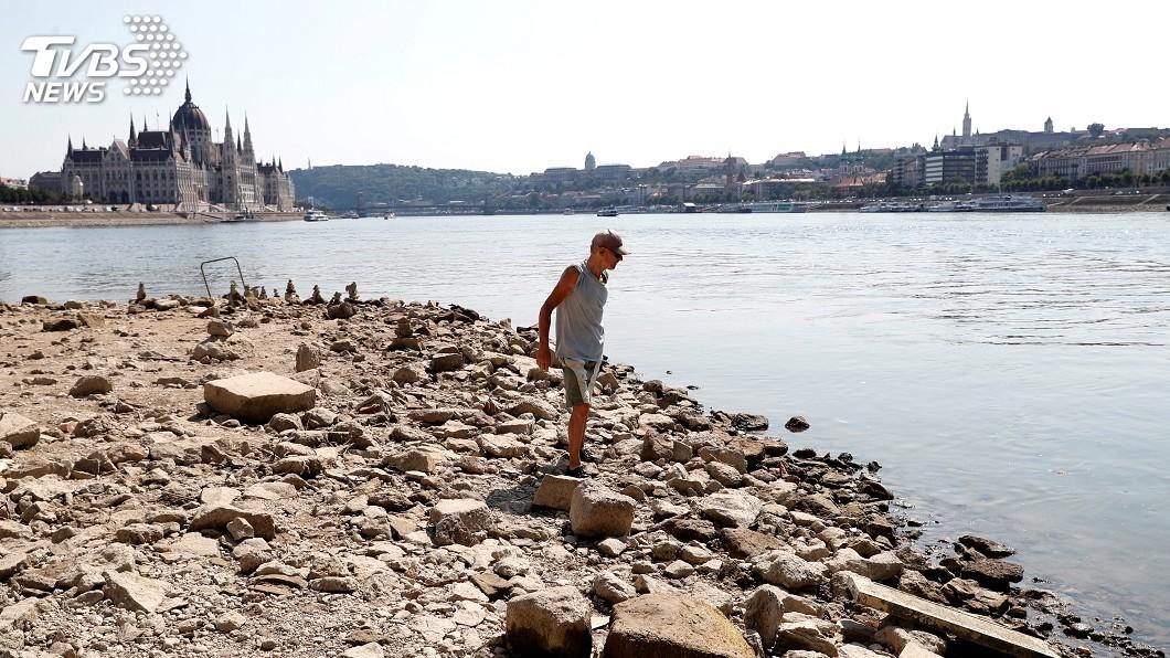 圖/達志影像路透社 匈牙利多瑙河水位逼近歷史低點 船運商叫苦