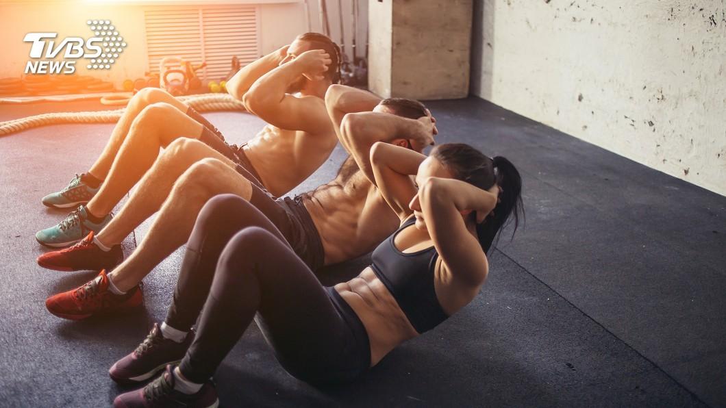 醫師建議室內運動比下班後到戶外運動更好。圖/TVBS 下班後戶外運動 小心心血管疾病找上你