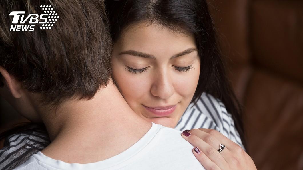 圖/TVBS 抱抱很重要!讓你不易生病 還能增「愛情荷爾蒙」