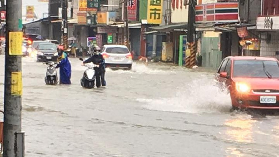 圖/屏東小鎮資訊提供 各地天氣不穩!高屏有大豪雨 30日後降雨趨緩