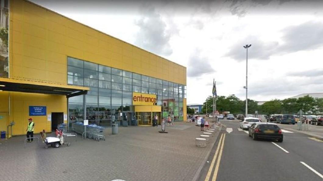 公路附近這間IKEA開放塞車民眾入內休息。圖/翻攝自 都市報
