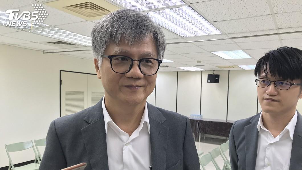 圖/中央社 產險公司經理吳萼洋登記 成第5位台北市長參選人