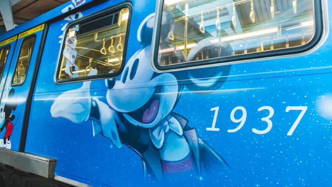 車廂內外都是滿滿迪士尼人物!圖/台北市觀光傳播局