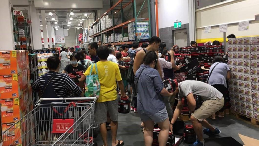 圖/翻攝自臉書「Costco好市多商品經驗老實說」 好市多乳清「折400」被掃光 網:不是喝了就變館長