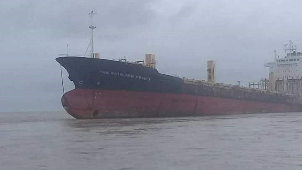 圖/翻攝自Yangon Police臉書 緬甸外海神秘「幽靈船」 最後位置紀錄竟在台灣海峽