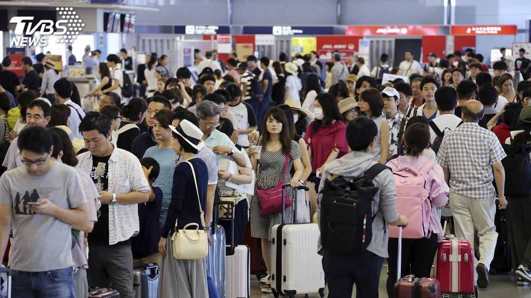 圖/中央社 台人受困日本不聞問 網友罵翻謝長廷:到底做了什麼