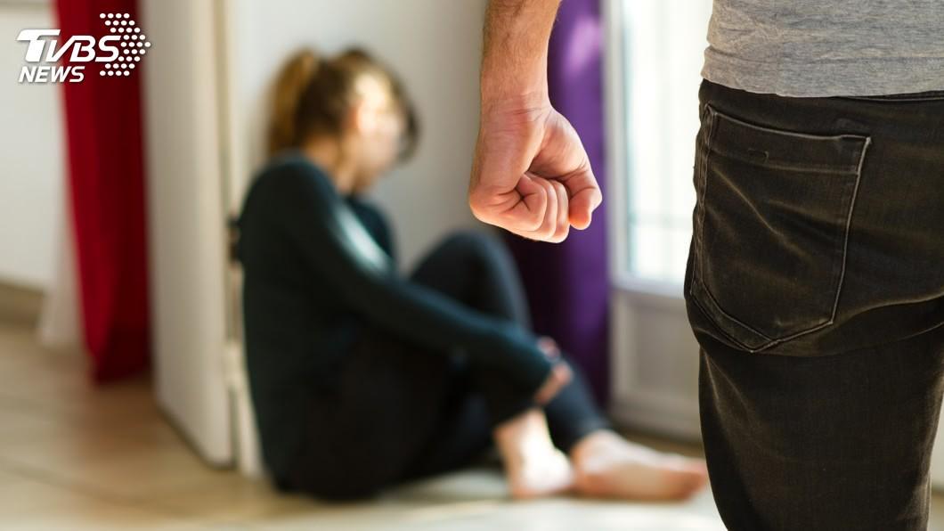 示意圖/TVBS 子女虐待父母案件翻倍 年通報近8000件