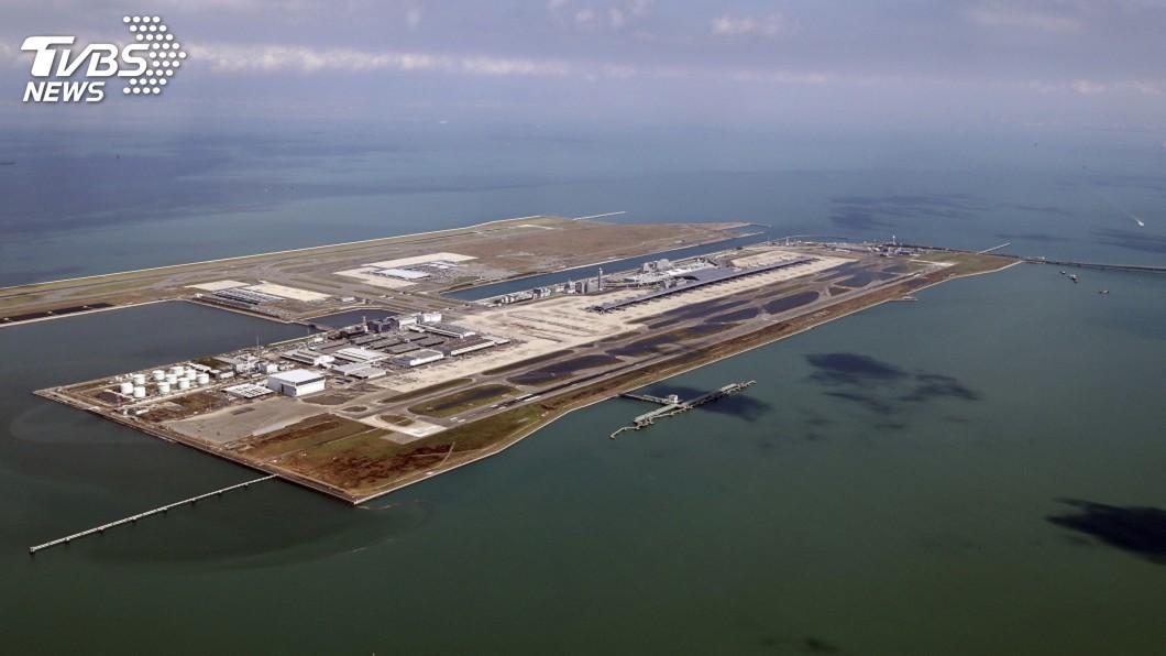 圖/達志影像美聯社 颱風燕子襲日釀11死 關西機場不知何時重啟
