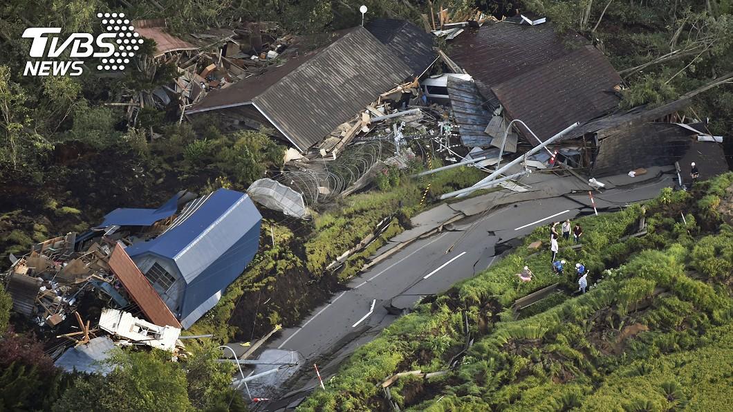 圖/達志影像美聯社 北海道6.7強震!295萬戶停電 山坡地土石崩落