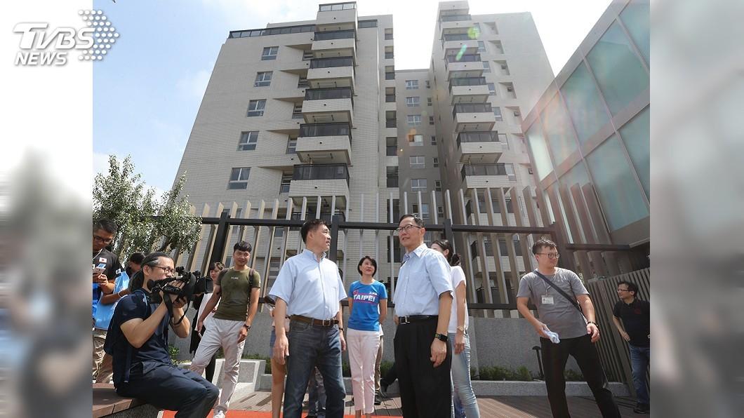 圖/中央社 參訪興隆公宅 丁守中:當選後檢討公宅政策