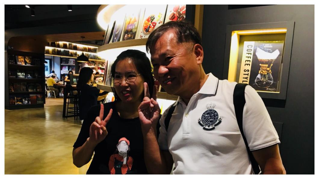 戴勝益多年前曾是台灣數度票選的「夢幻老闆」,王品是台灣年輕人最响往的幸福企業,他「搞怪」、「想與眾不同」的演講魅力所向披靡,所到之處有鐵粉追隨、一舉一動都有媒體追捧。   圖/TVBS