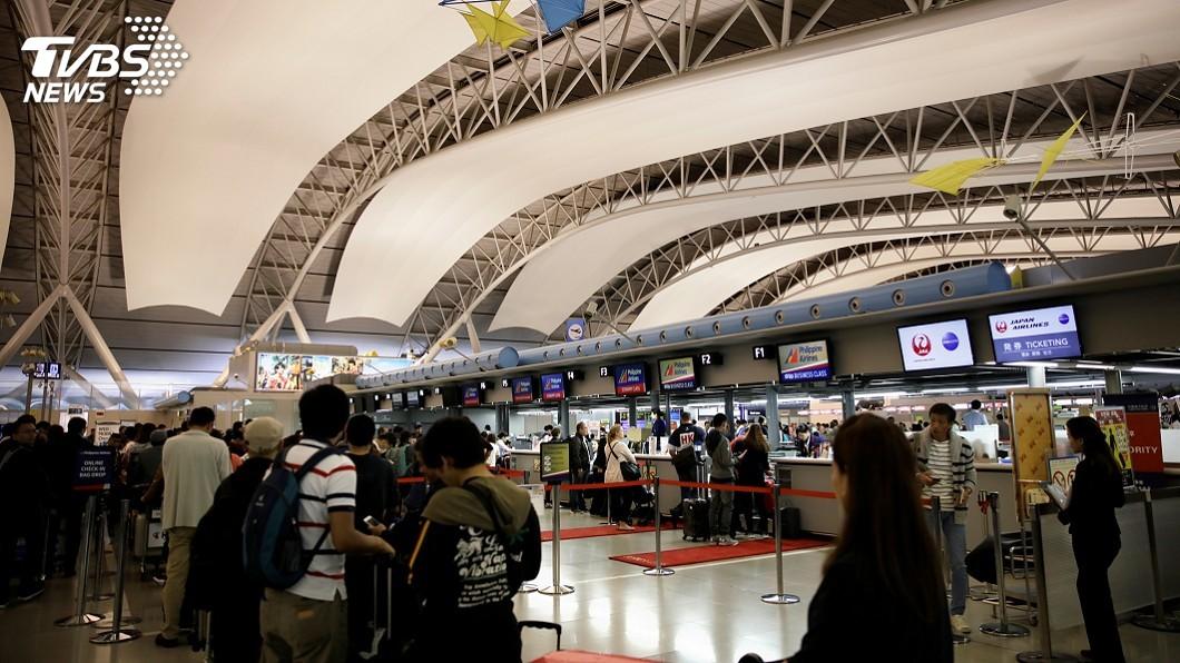圖/達志影像路透社 關西機場風災後 第一航廈14日起部分重啟