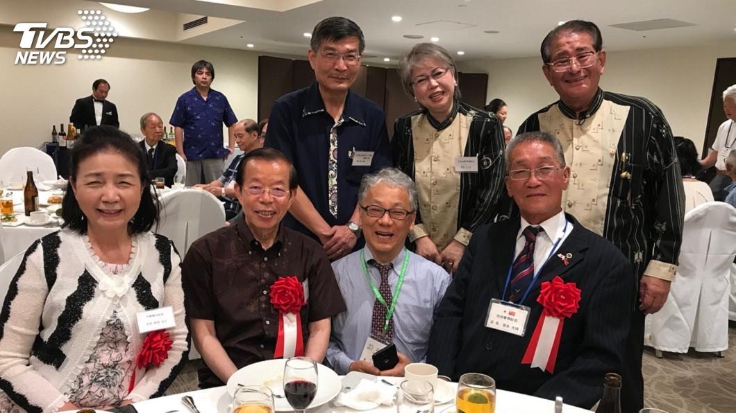 駐日代表謝長廷與蘇啟誠6月24日參與旅居沖繩華僑晚宴。圖/中央社