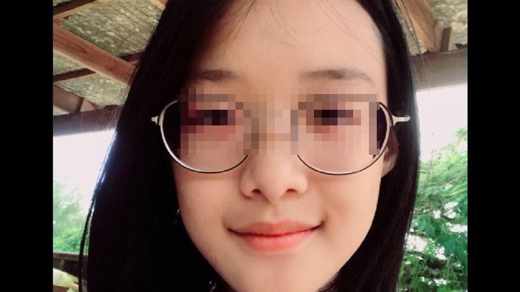 圖/翻攝頎頎臉書 楊偉中將安息!愛女低調換大頭貼 「微笑自拍」展堅強