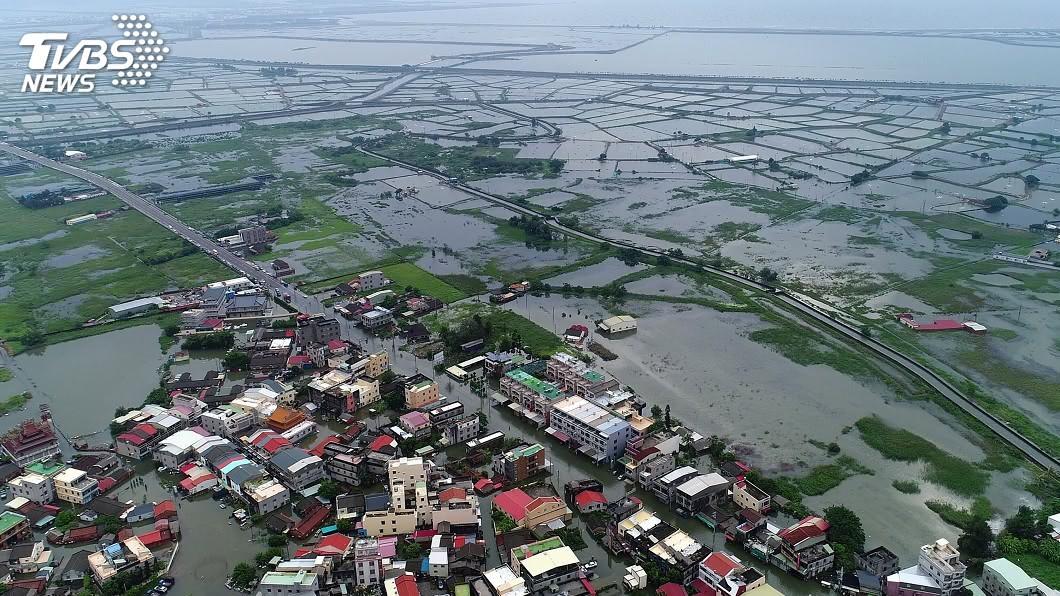 圖/中央社 823豪雨嘉義淹水 急降雨又逢大潮