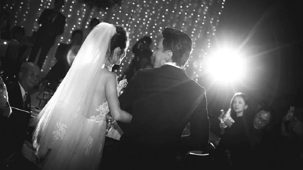 圖/翻攝自 坤達 臉書 坤達、柯佳嬿「婚禮私照」曝光 感謝親友一起做美夢