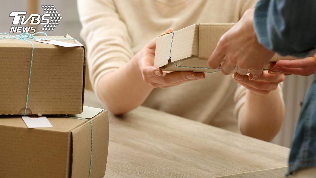 示意圖/TVBS 行政助理要小心 她收包裹差點被關7年