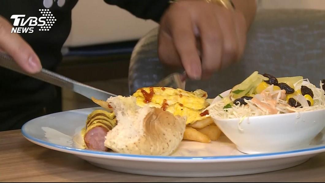 示意圖/TVBS 晚餐太晚吃會胖? 營養師曝真相是「它」在搞鬼