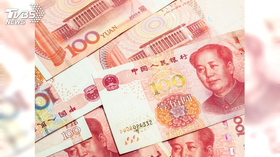 人民幣示意圖/TVBS 堅持只買1組號 他等10幾年中大獎1.4億元