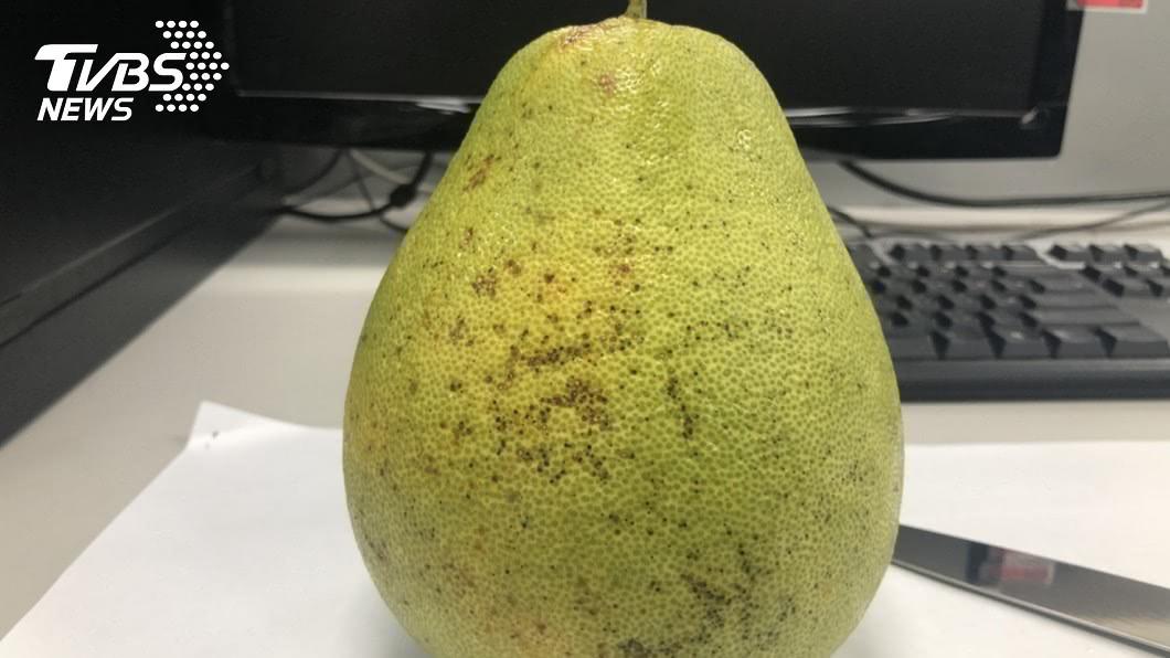 圖/TVBS 剝柚子很麻煩?只要這5刀「懶人剝柚法」輕鬆搞定