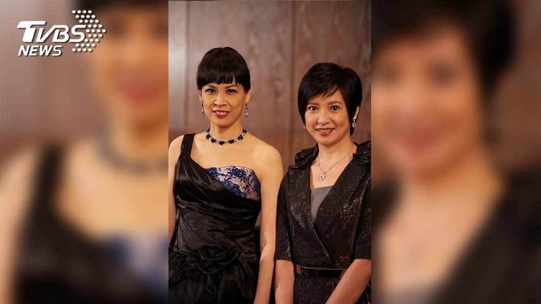 詹怡宜(右)與詹怡嘉兩人各自在電視及廣播領域擁有傑出成就。