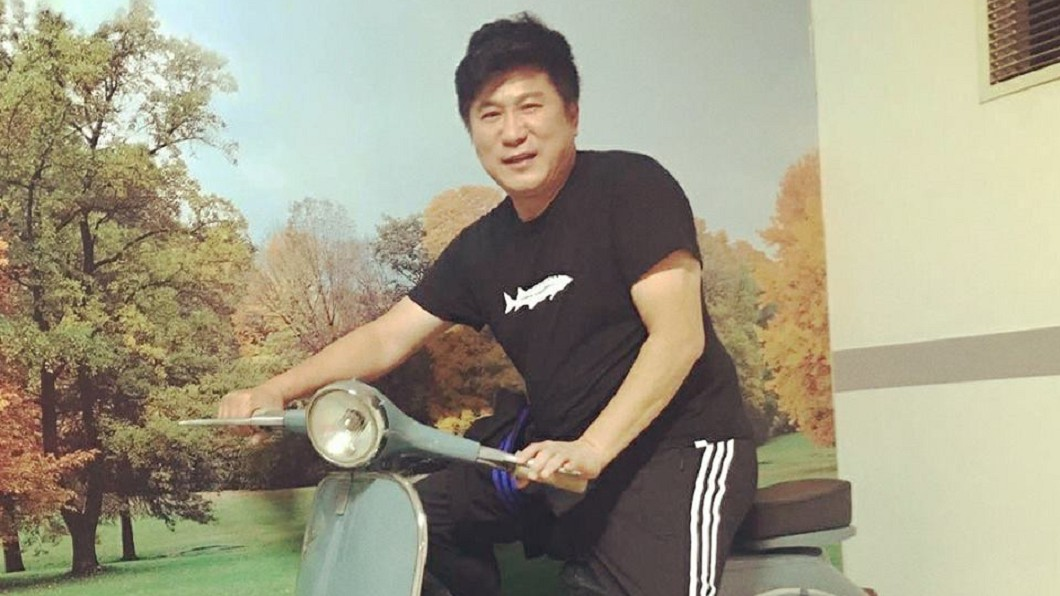 現年61歲的胡瓜,踏入演藝圈逾38年。(圖/翻攝自臉書) 退出演藝圈?胡瓜透露已規劃退休「會一個一個淡出」