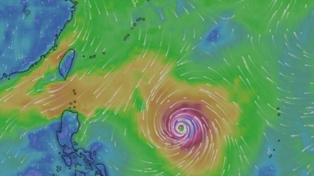 氣象局指出,康芮將於週四、五最接近台灣,預計外圍環流將會為北台灣帶來豪雨、強陣風。圖/Windy