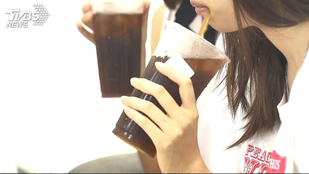 圖/TVBS 老闆狂餵食…她半年胖10公斤 立公約被虧:吃就對了