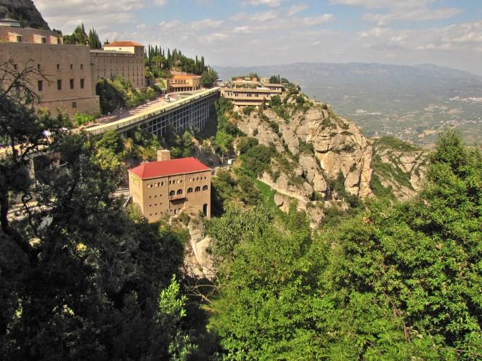 ▲歐洲天空之城-西班牙蒙特塞拉特修道院。(圖/Tripbaa趣吧!亞洲自由行專家)