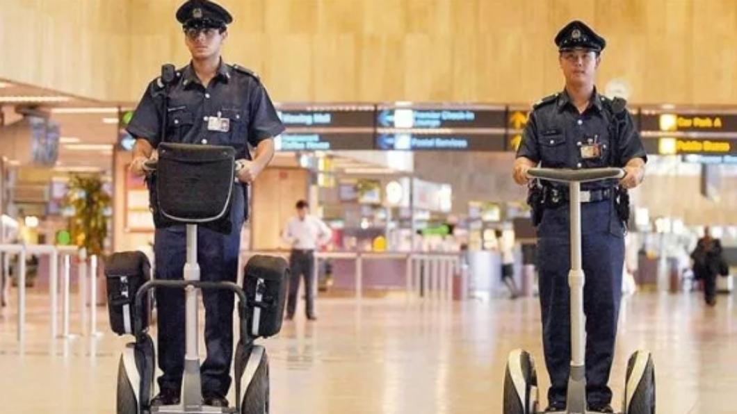 圖/翻攝自微博 直逼6萬!新加坡來台徵「輔警」 祭出5.8萬高起薪