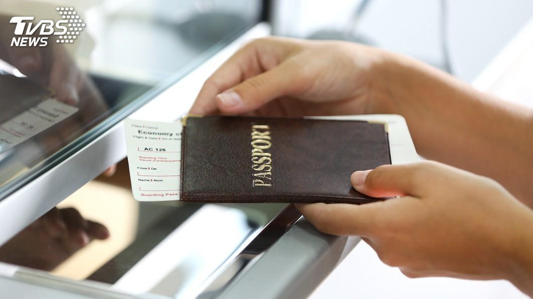 示意圖/TVBS 紐西蘭海關新規 可要密碼看旅客手機內容