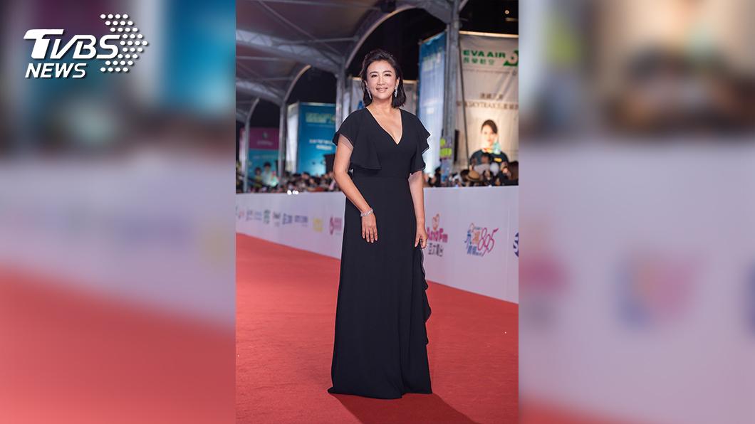 TVBS主播方念華今年擔任頒獎人,身穿一襲黑色禮服隆重出席。(圖/TVBS)