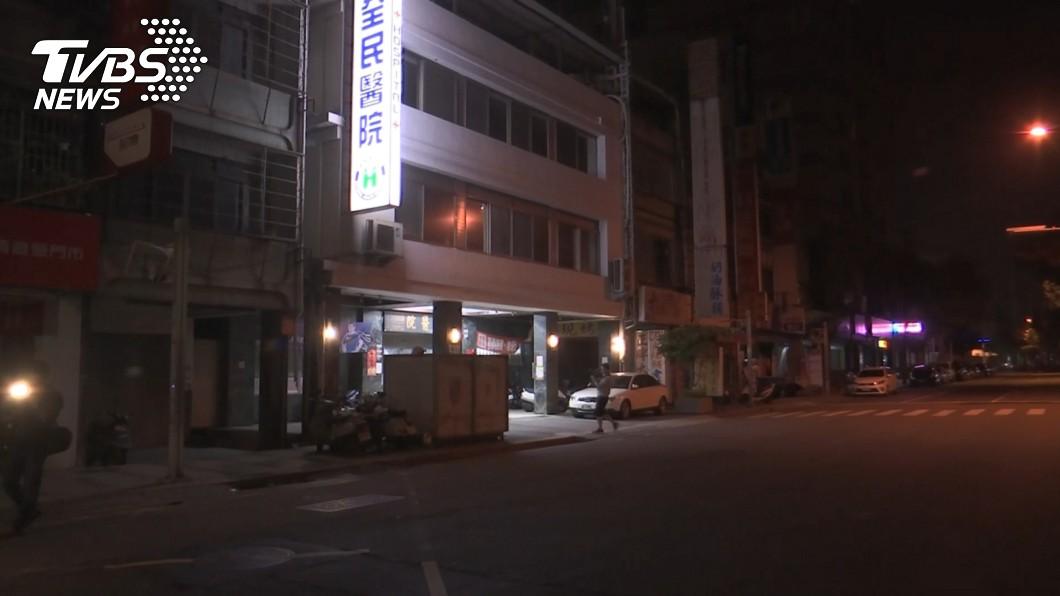 圖/TVBS 院方接獲不明來電 男全身是血被丟包「黑道救命醫院」
