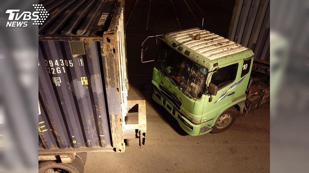 圖/TVBS 深夜港口驗貨 檢驗員被貨車撞破肝臟身亡