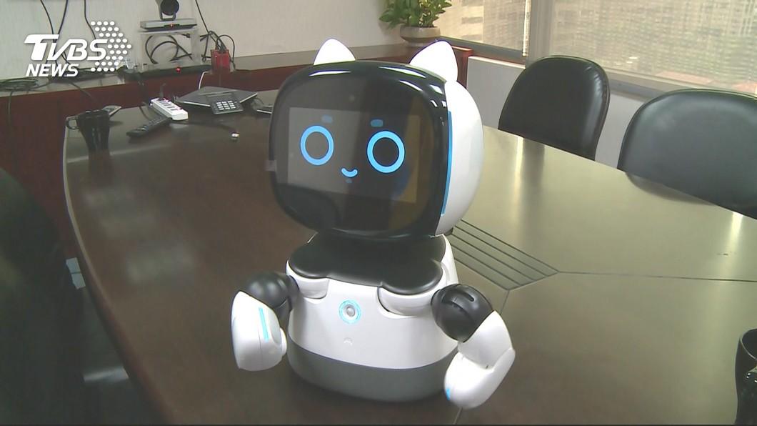 圖/TVBS 「凱比同學」跳舞賣萌當小老師 打開機器人新戰場