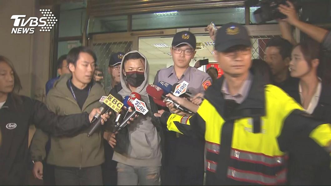 圖/TVBS 快訊/飆車害三死! 檢聲押殺人被告黃佑呈、謝亞軒