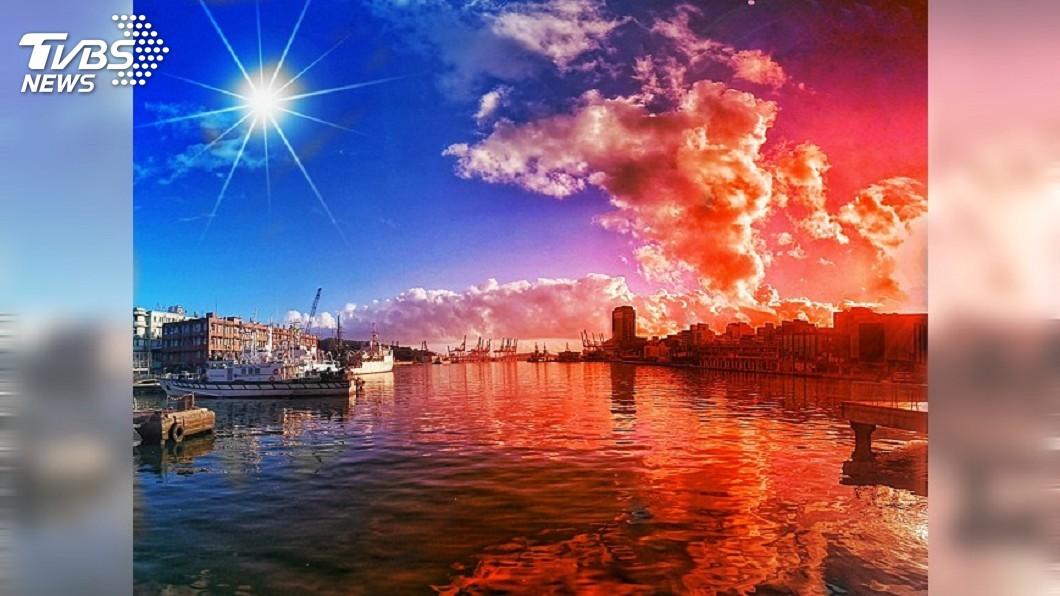 圖/簡紫娟 授權提供 美哭!雙十國慶 她將基隆港拍成「青天白日滿地紅」