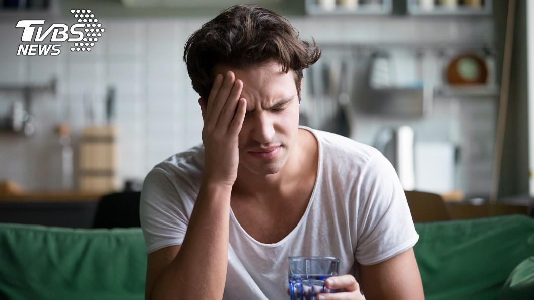 示意圖/TVBS 偏頭痛竟擤出濃稠「血塊鼻涕」 男星嚇傻急就醫