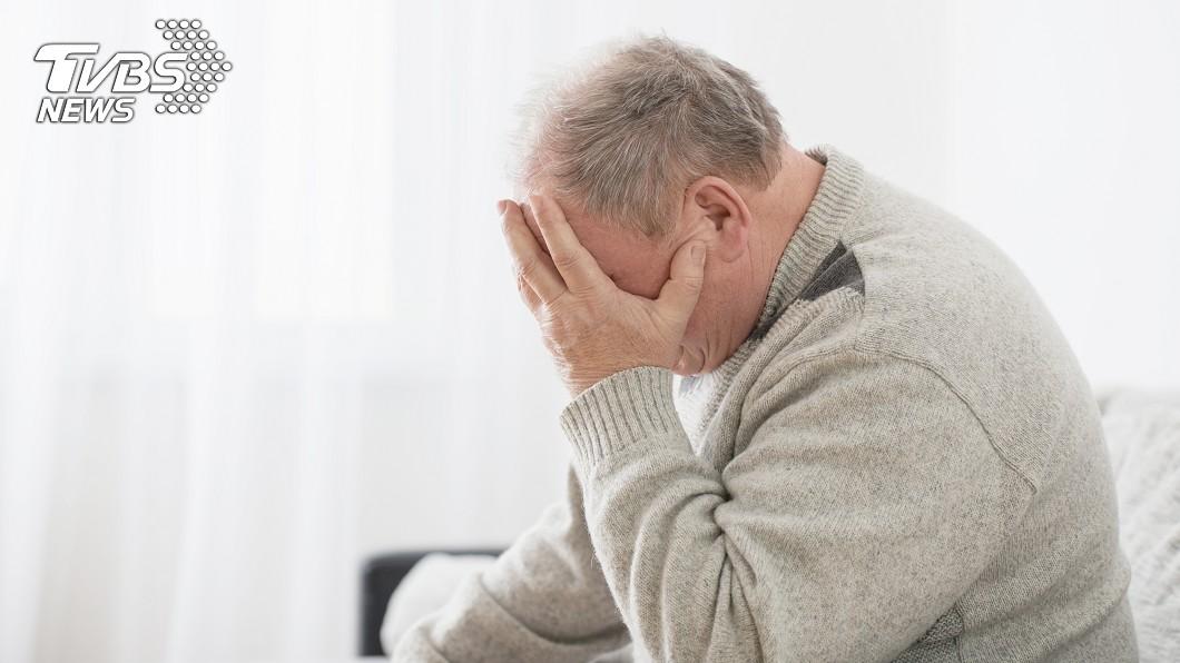 男子罹患罕見疾病,出現思考力下降、記憶力衰退等症狀。示意圖/TVBS