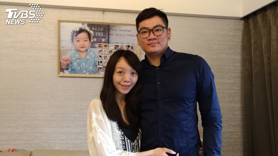 藍天龍(右)、黃詩謹(左)。圖/TVBS 浴火情深系列1》燒不斷的紅線 浴火淬鍊更見情深