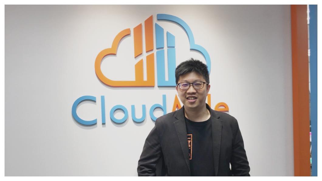 Google Cloud加持! 萬里雲6月獲得全球僅14家、北亞唯一的「Google雲端基礎架構專業認證」經營Google Cloud的AI雲端公司。圖為萬里雲創辦人劉永信。     圖/TVBS 《大老闆故事》谷歌加持  劉永信:AI讓台灣贏在起跑