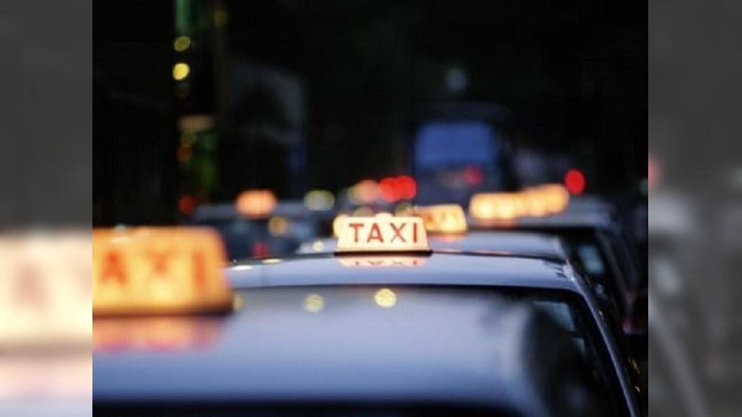 現在計程車司機得面對客人許多要求。示意圖/TVBS資料畫面 乘客預約叫車要求百百款 超狂內容笑翻眾人